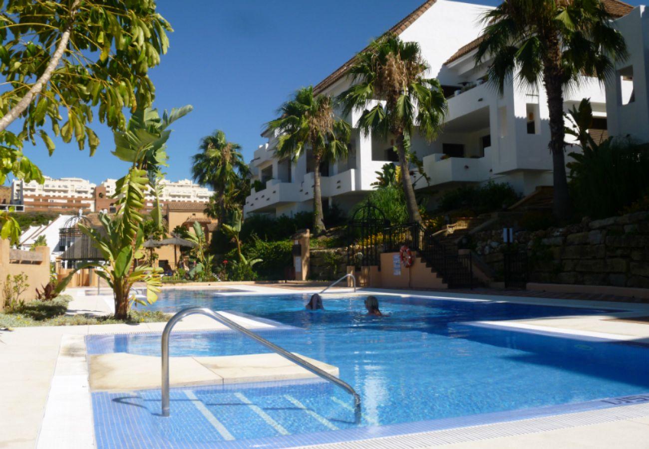 ZapHoliday - 2115 - Apartmentvermietung in Manilva, Costa del Sol - Schwimmbad
