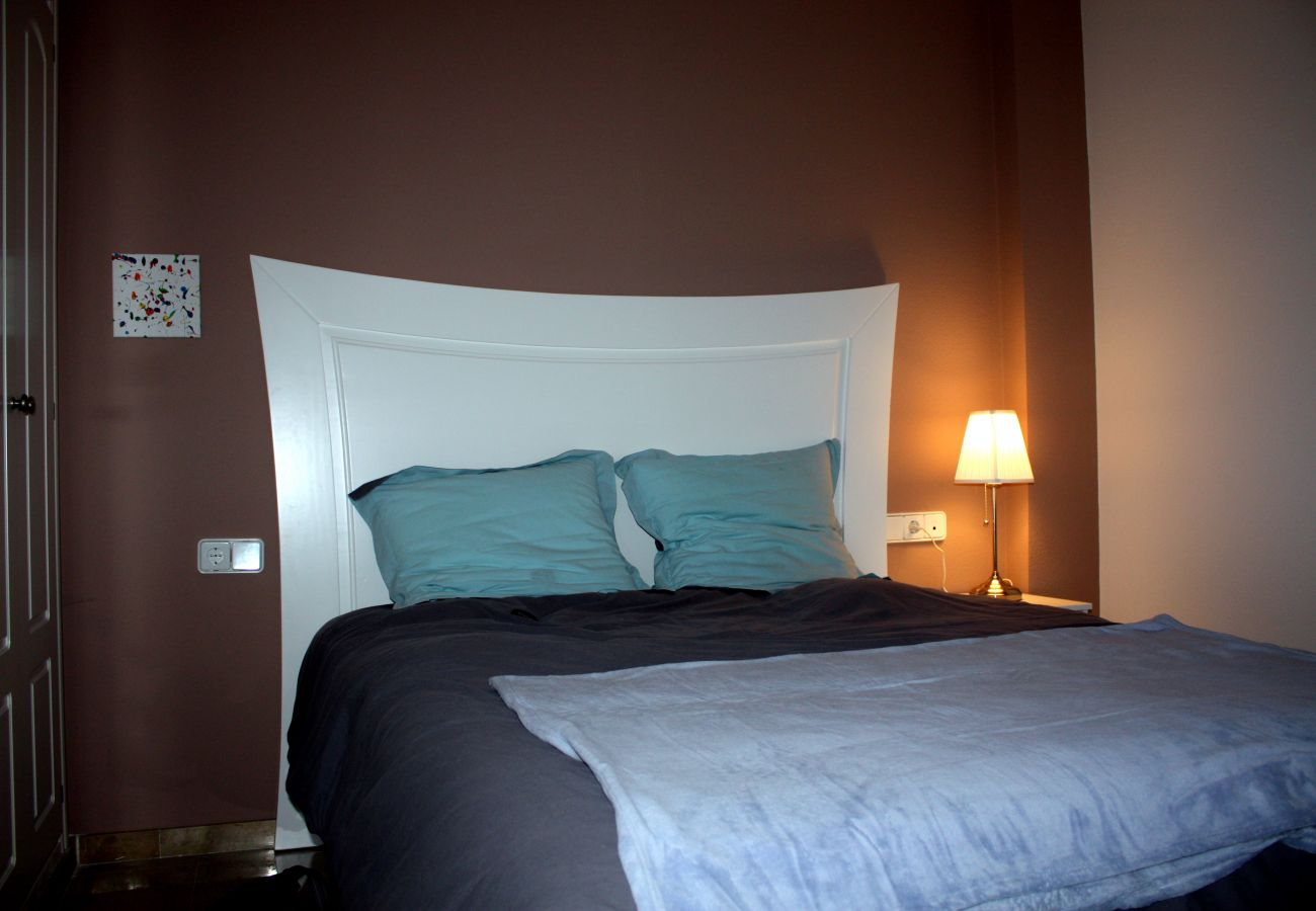 Zapholiday - 2099 - Wohnung zu vermieten im Golf La Duquesa, Costa del Sol - Schlafzimmer