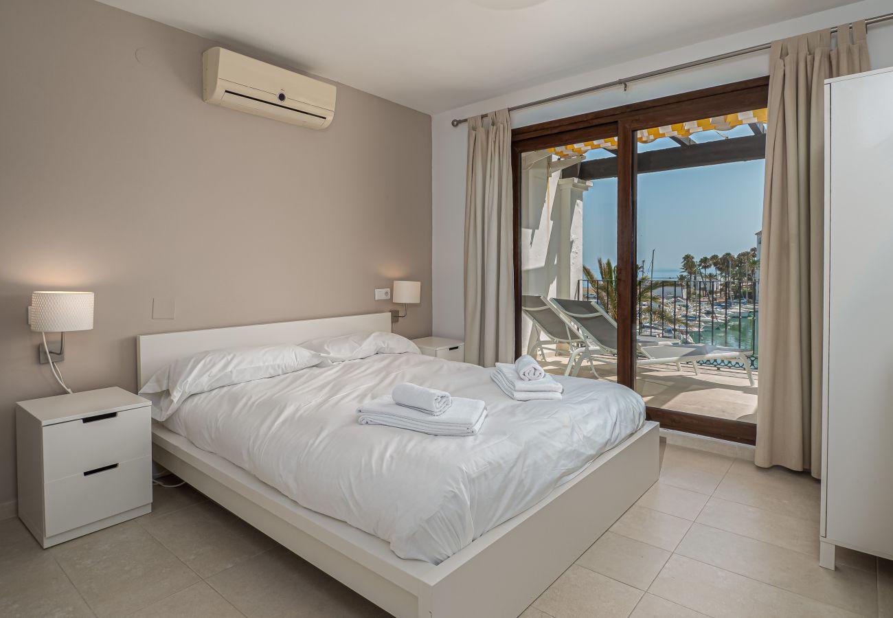 Zapholiday - 2001 - Wohnung in Puerto de la Duquesa, Costa del Sol - Schlafzimmer