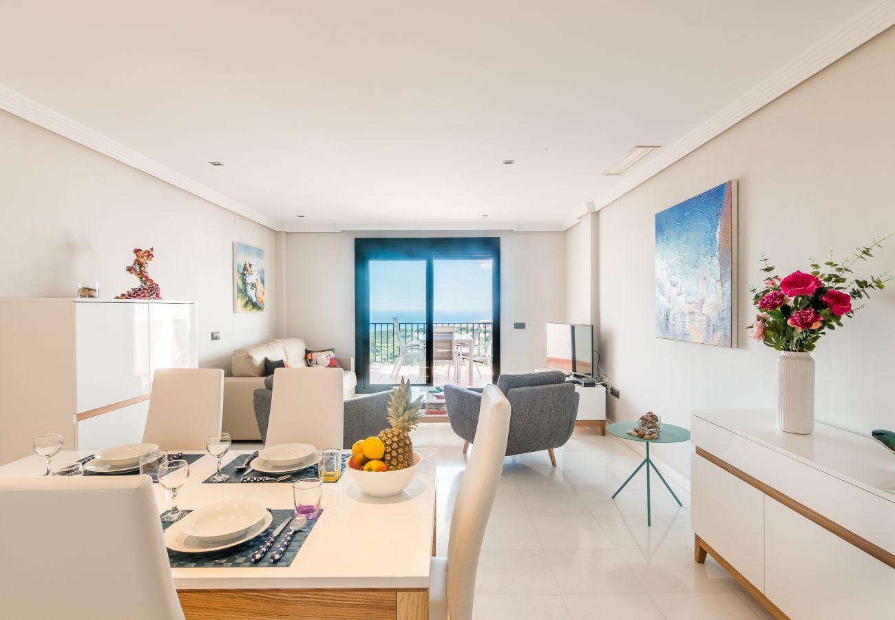 Zapholiday - 2207 - Casares Apartmentvermietung - living room