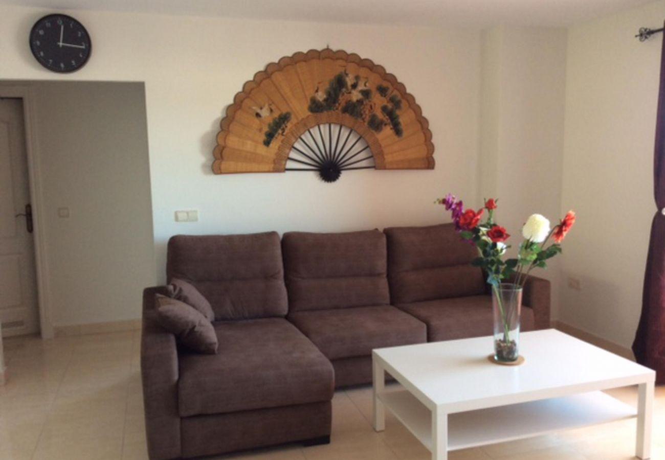 Zapholiday - 2208 - La Duquesa Ferienwohnung - living room