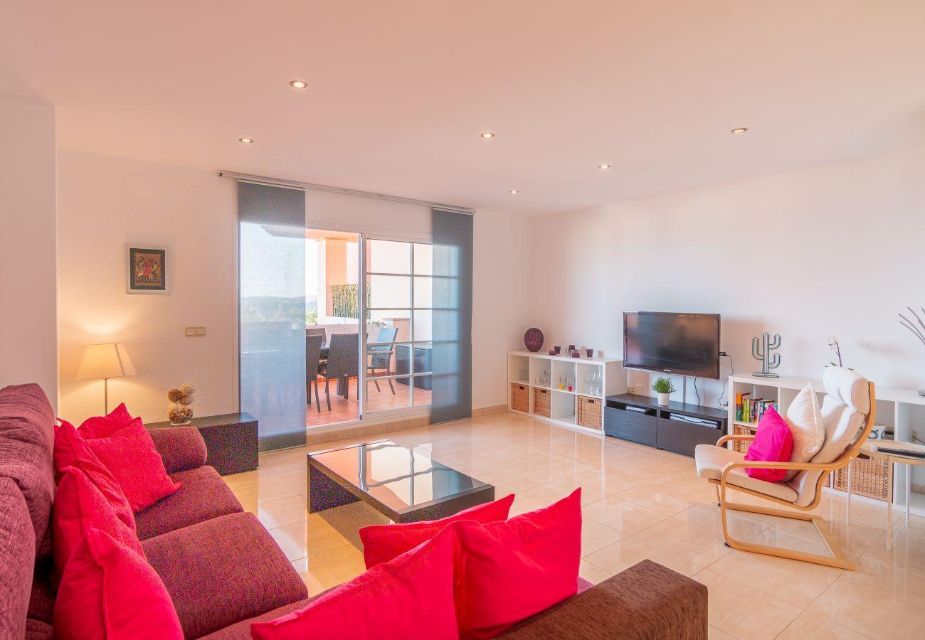 Zapholiday - 2211 - La Duquesa Ferienwohnung - living room