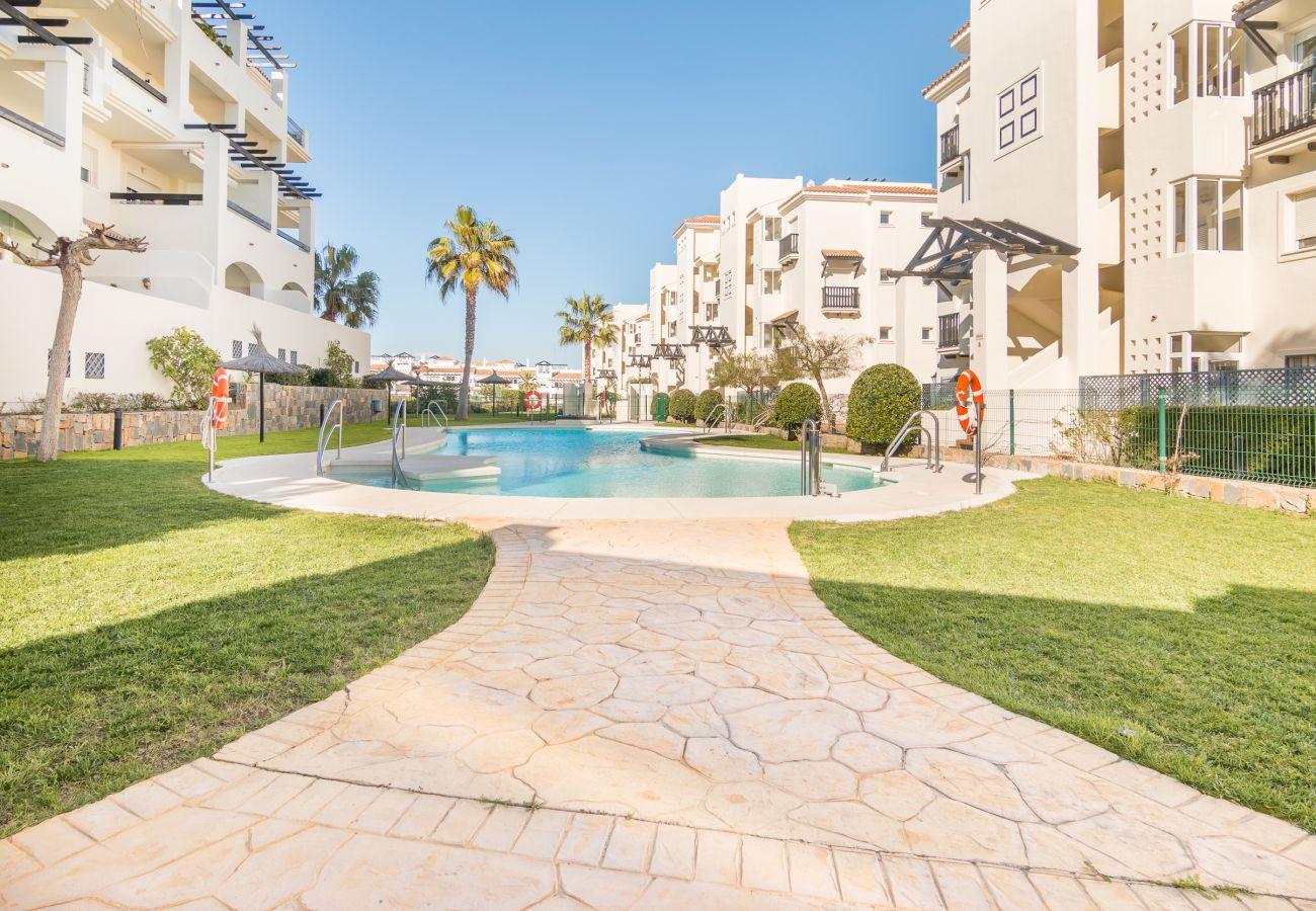 Zapholiday - 2222 - Manilva Apartmentvermietung - Schwimmbad