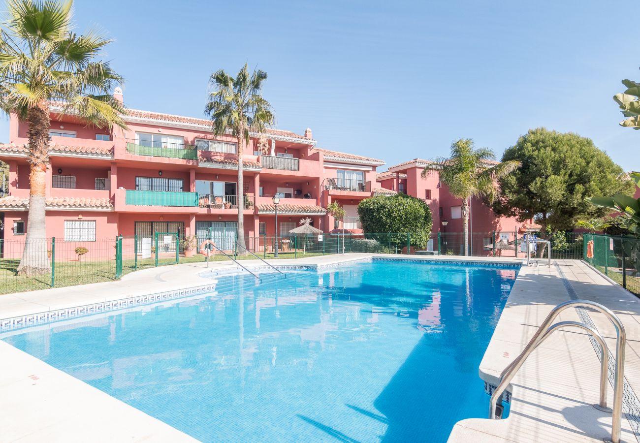 Zapholiday - 2228 - Manilva Apartmentvermietung - Schwimmbad