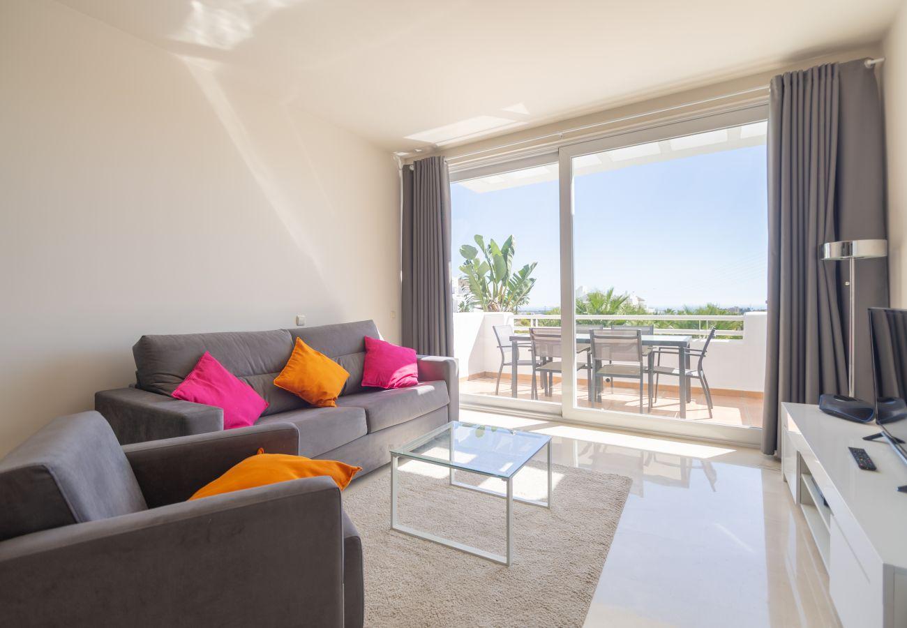 Zapholiday - 2237 - Estepona Ferienwohnung - living room