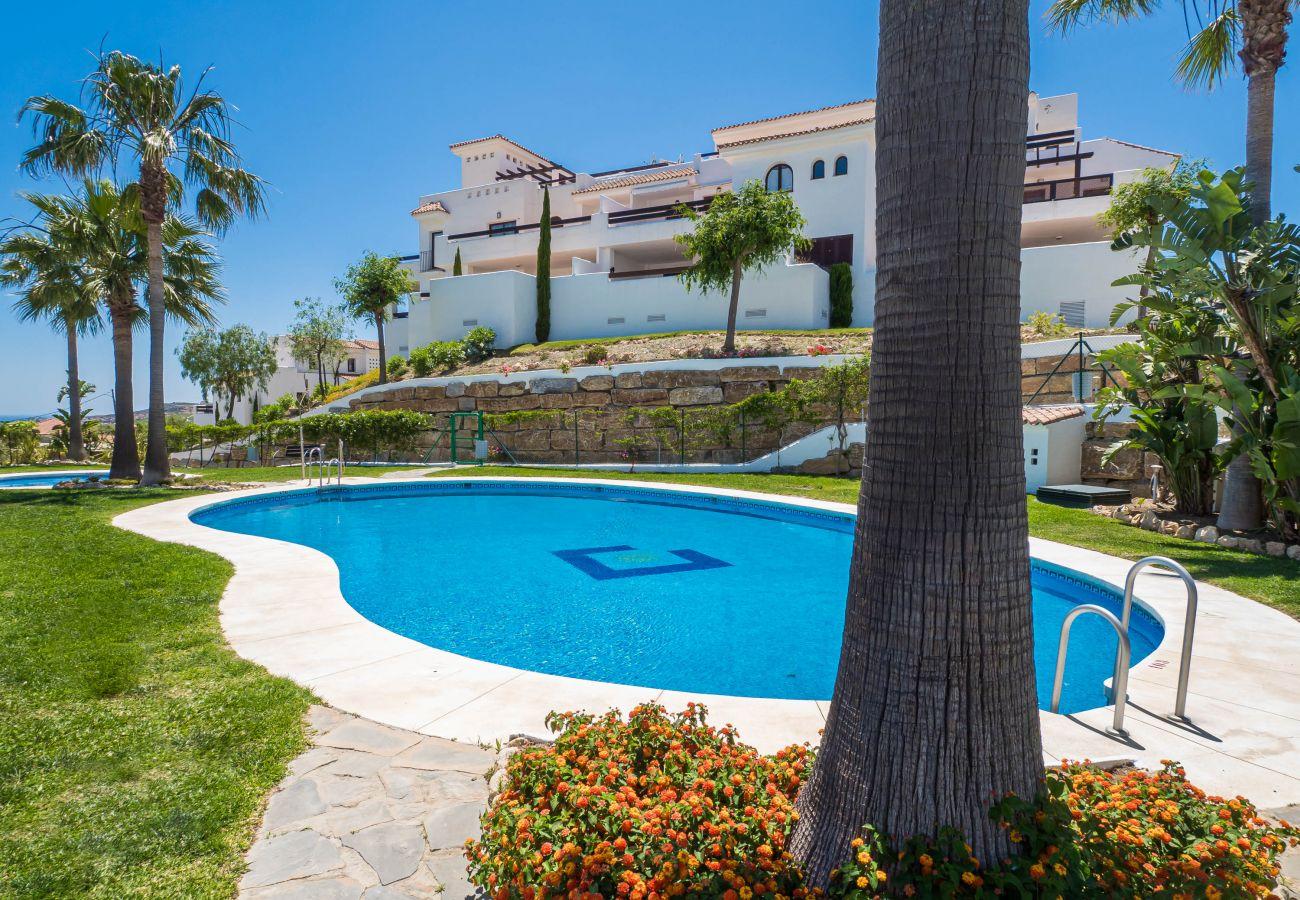 Zapholiday - 2246 - Casares Apartmentvermietung - Schwimmbad