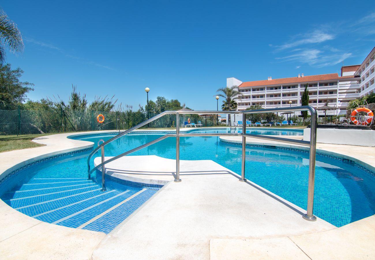 Zapholiday - 2243- Apartmentvermietung in Manilva - Schwimmbad