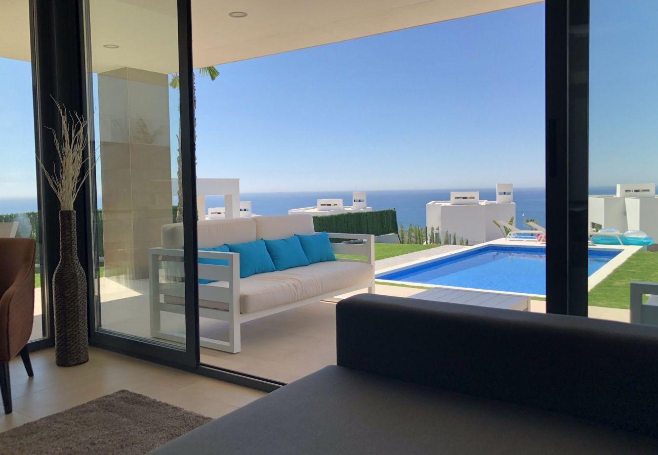 Villa in Manilva - Bahia de las Rocas 2254