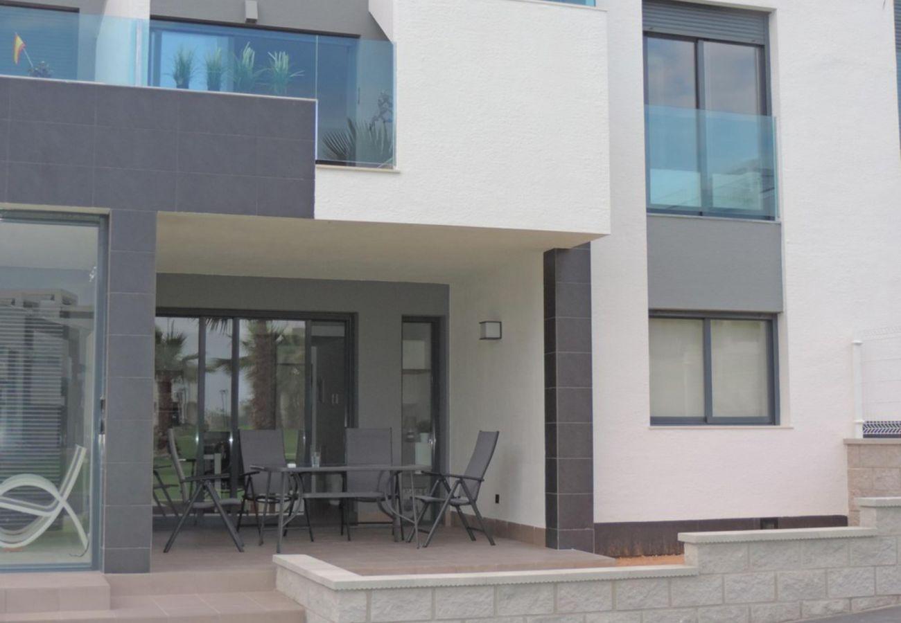 Zapholiday - 3023 - Punta Prima Wohnung, Costa Blanca - Terrasse