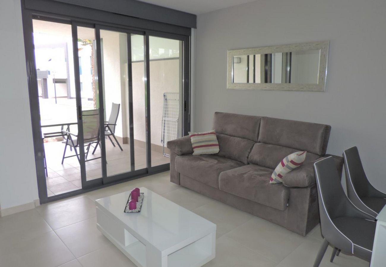 Zapholiday - 3023 - Punta Prima Wohnung, Costa Blanca - Wohnzimmer