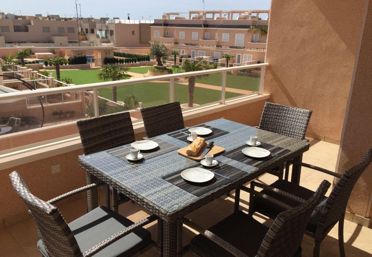 Zapholiday - 3027 - Wohnung Torre de la Horadada, Costa Blanca - Terrasse
