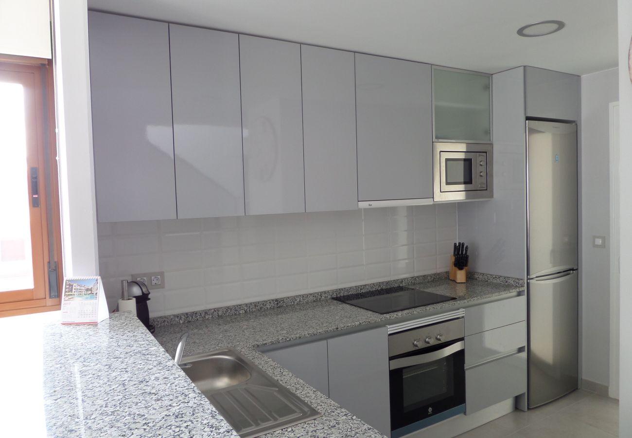 Zapholiday - 3029 - Orihuela Costa Penthouse, Costa Blanca - Küche