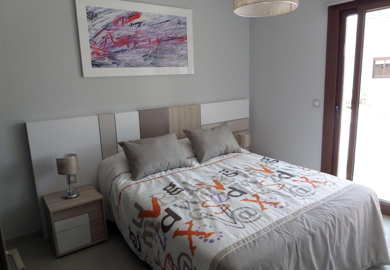 Zapholiday - 3029 - Orihuela Costa Penthouse, Costa Blanca - Schlafzimmer