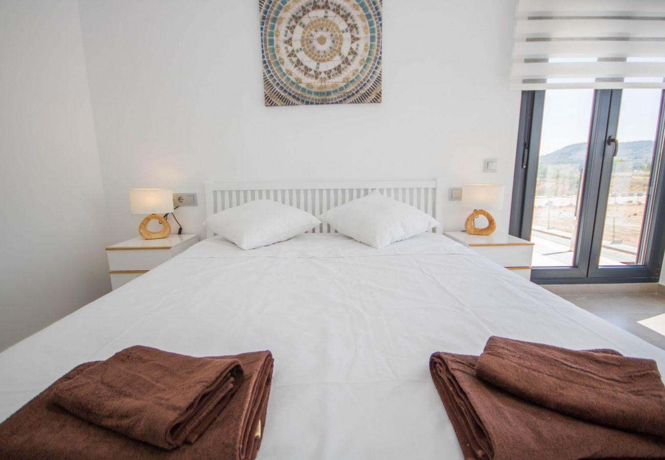 Zapholiday - 3034 - Villa Costa Blanca, Alicante - Schlafzimmer