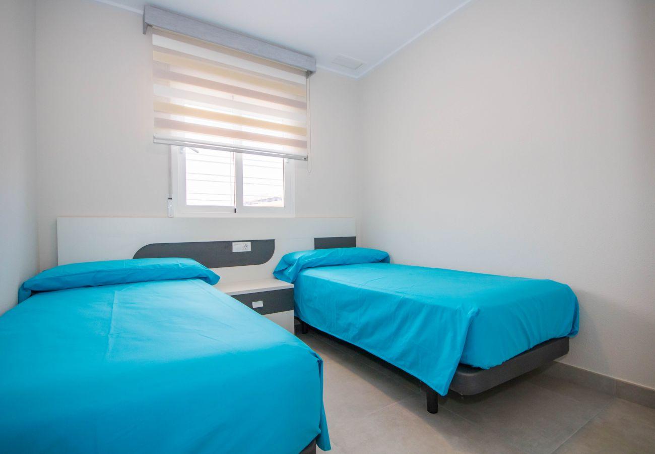 Zapholiday  –  3049  -  appartement Punta Prima, Costa Blanca  – Schlafzimmer