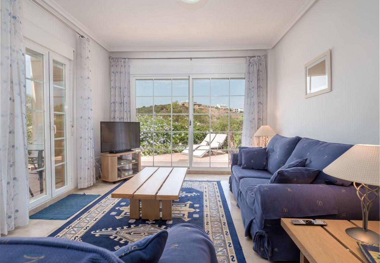 Zapholiday - 5002 - La Duquesa, Costa del Sol Ferienwohnung - Wohnzimmer
