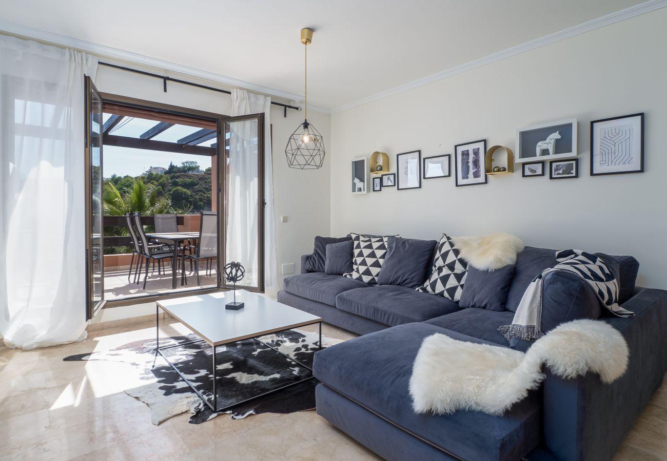 Zapholiday - 2297 - Casares Wohnung, Costa del Sol - Wohnzimmer