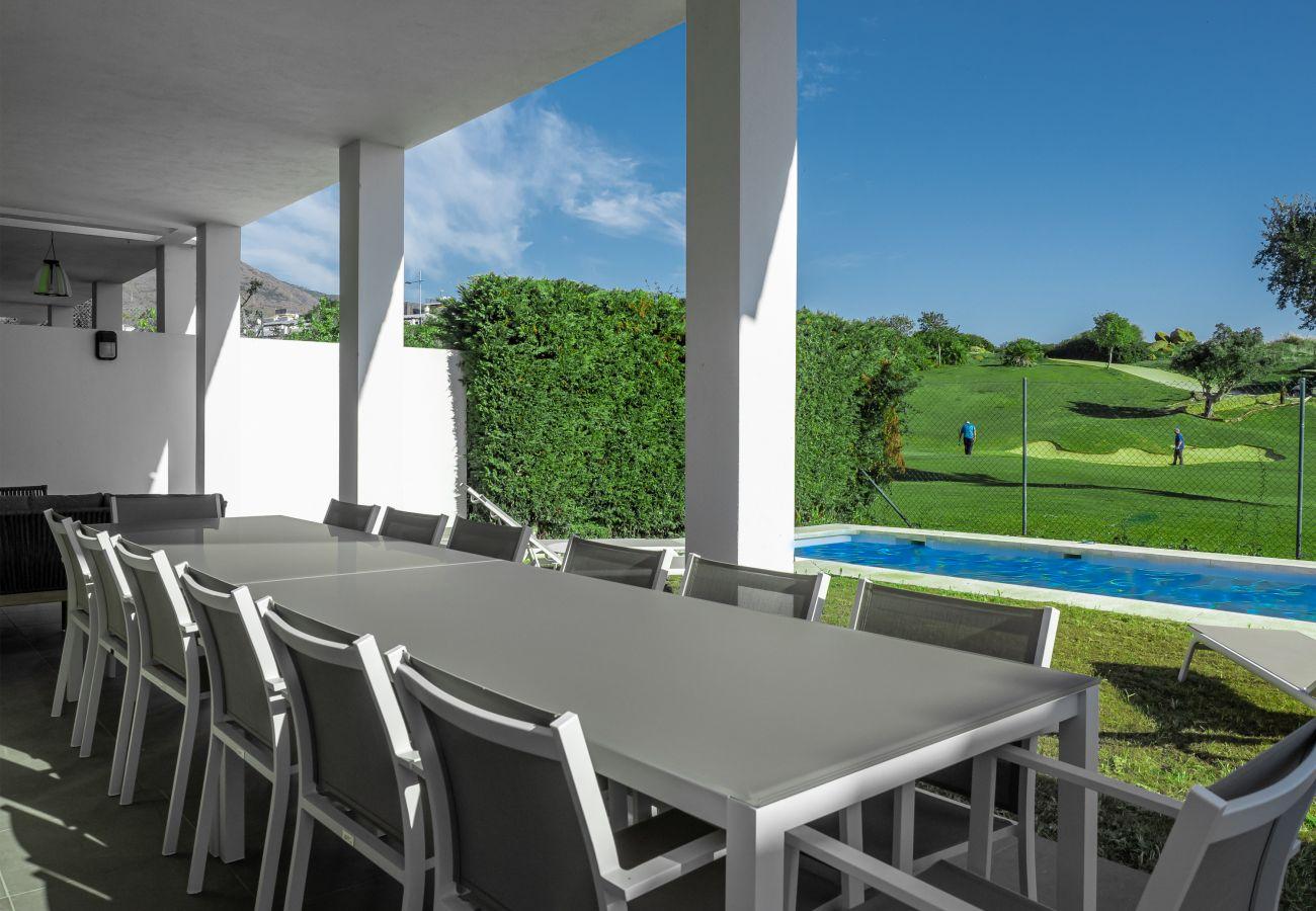 Zapholiday - 2301 - Villa Estepona, Costa del Sol - Terrasse