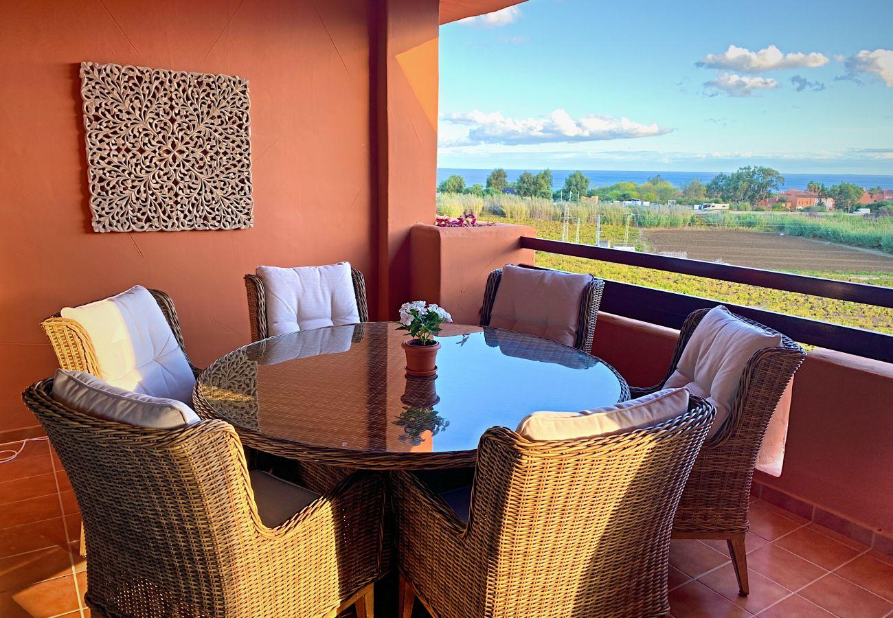 ZapHoliday - 2303 - Ferienwohnung in Manilva, Costa del Sol - Terrasse