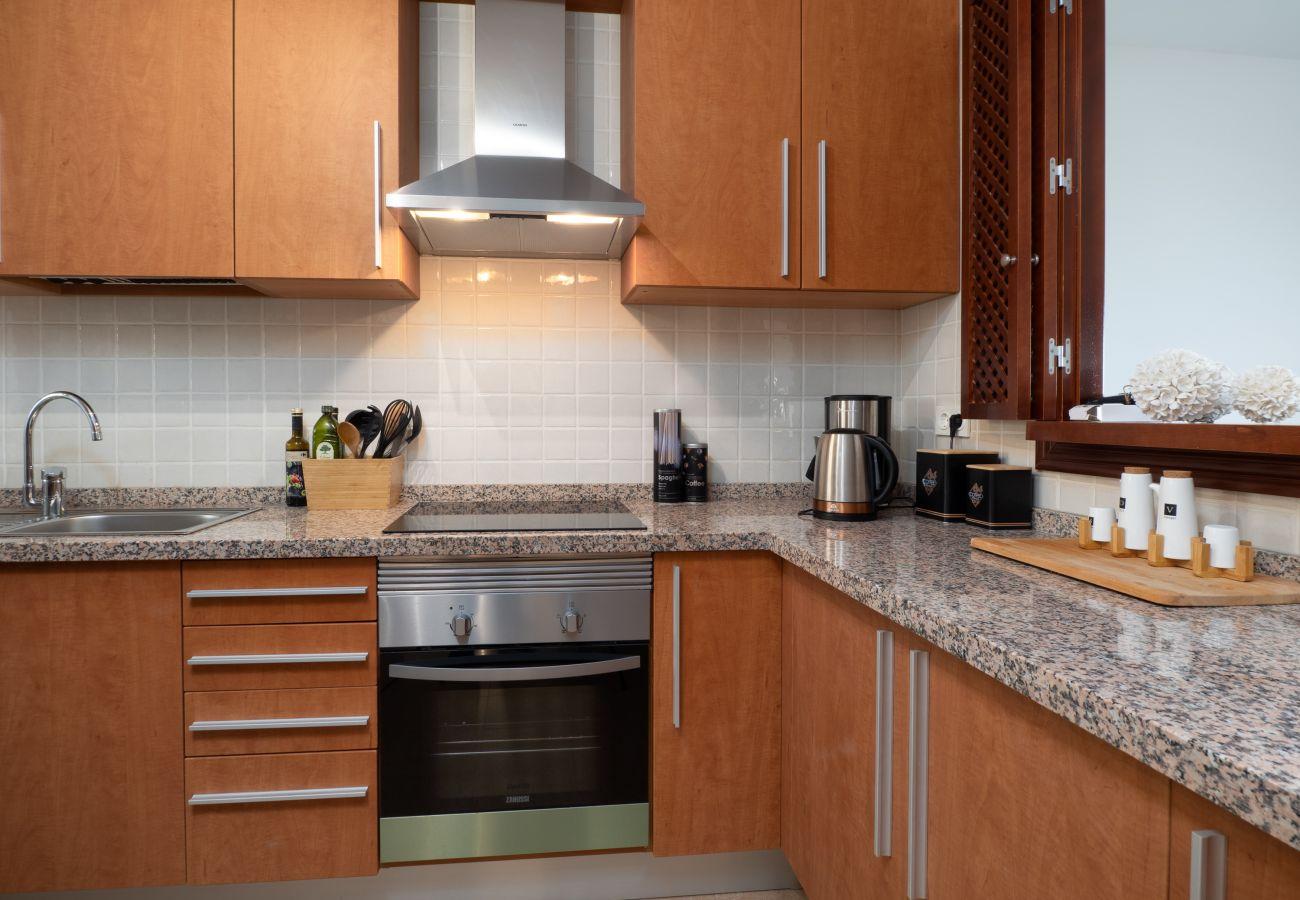 ZapHoliday - 2305 - Apartmentvermietung in La Alcaidesa, Costa del Sol - Küche